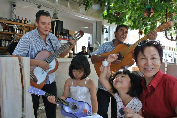 Enjoying a Mexican lunch at one of the local restaurants, where we were thoroughly entertained by 3 talented musicians :)
