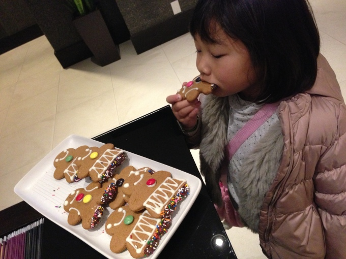 Gingerbread cookies for grab while checking into the hotel