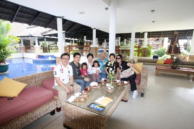 2009: Family trip to Phuket