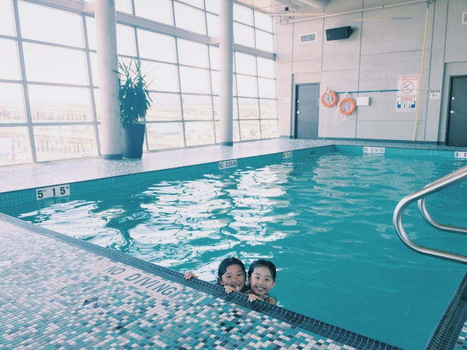 First order of business was to hit the pool ofcourse! We had it all to ourselves!